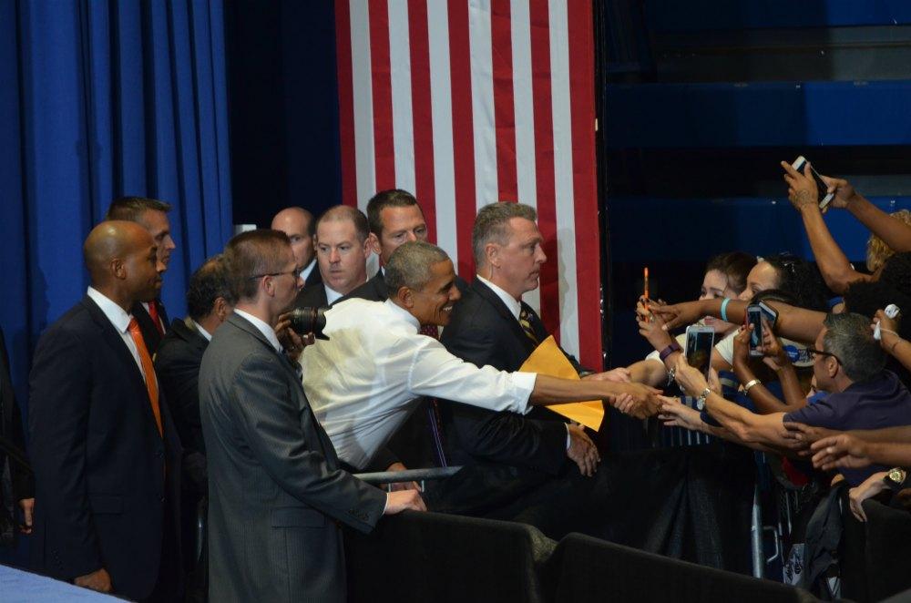 Obama Miami saludo